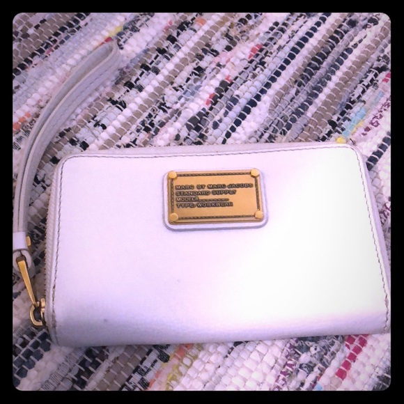 2c7f20b32c Marc By Marc Jacobs Bags | White Leather Wallet | Poshmark